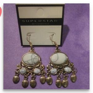 NWT White Crackled Stone Earrings!